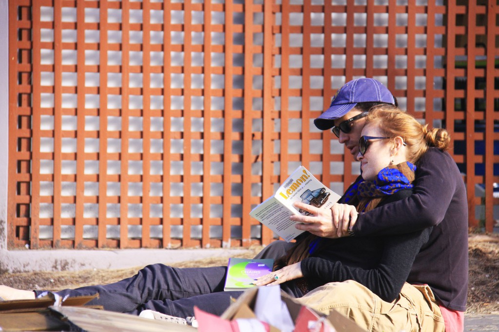 reading couple
